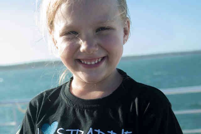 Phe Photoshoot Girl Smile